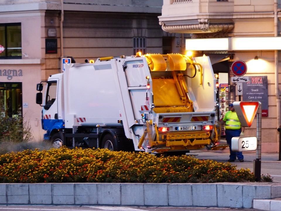 Zaplanuj pracę śmieciarek z oprogramowaniem dla branży komunanej