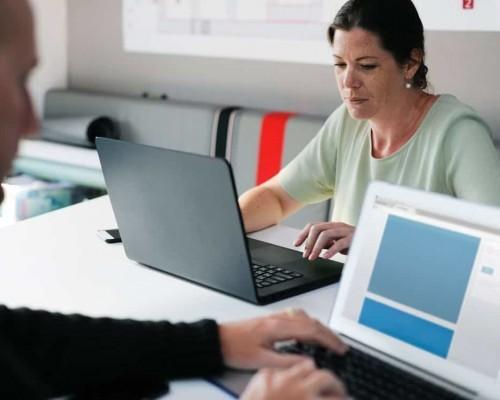 zarzadzanie relacjami z klientem 500x400 - CRM dla firm komunalnych